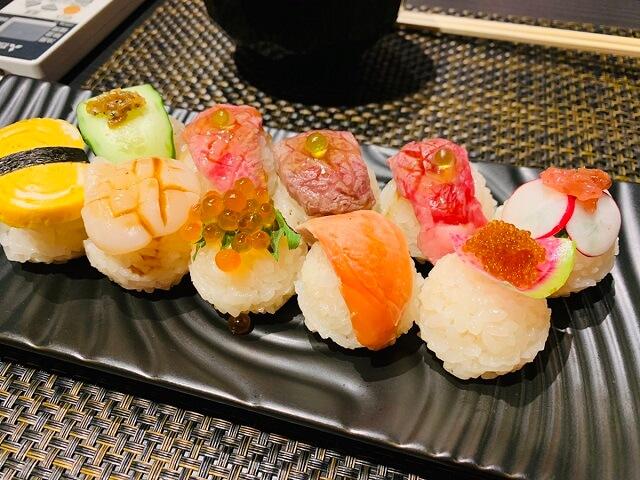 ラジット色とりどりの手まり寿司