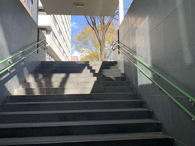 地下鉄烏丸御池駅出口1