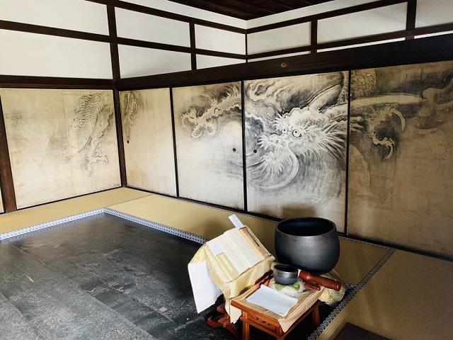 龍源院方丈室中襖絵