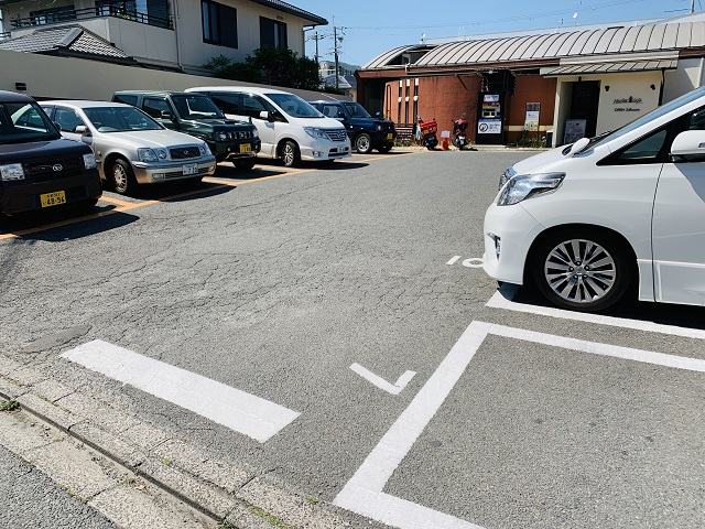 ハーバーカフェ 北野白梅町店無料駐車場