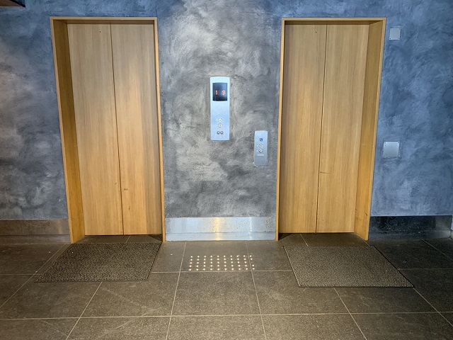 フェリチタ三条木屋町ビルエレベーター